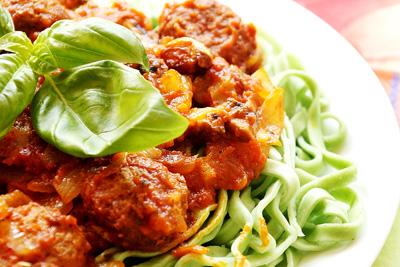 اگر می خواهید چاق شوید، پاستا با سس مرغ بخورید