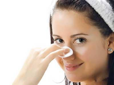 درمان جوش سر سیاه صورت با چند روش خانگی