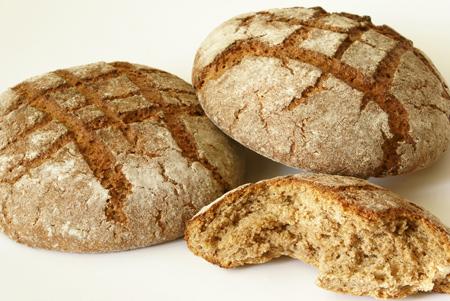 با خواص نان سبوس و جو آشنا شوید