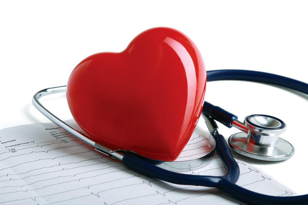 امداد های اولیه برای بیماران حمله ی قلبی چگونه است؟